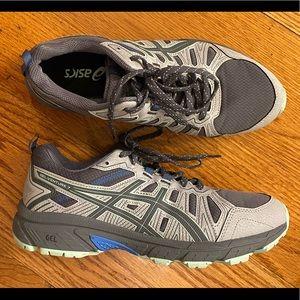 EUC Asics Trail Running Shoe, Gray